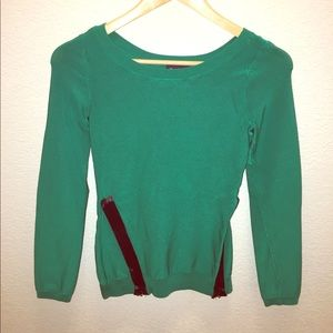Bebe Green Top with black Detail